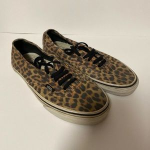 Vans off the Wall Cheetah Leopard Print Low Lace